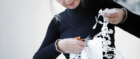 中国传统剪纸遇上西方表达- 丹麦艺术家 Karen Bit Vejle 让时间停留的大型剪纸作品