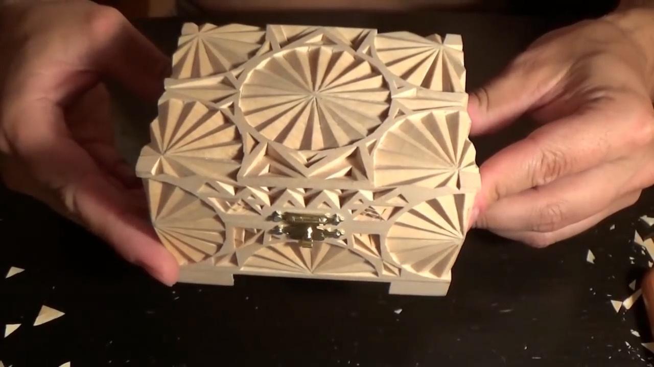 木雕创作:几何图案的小木盒雕刻过程