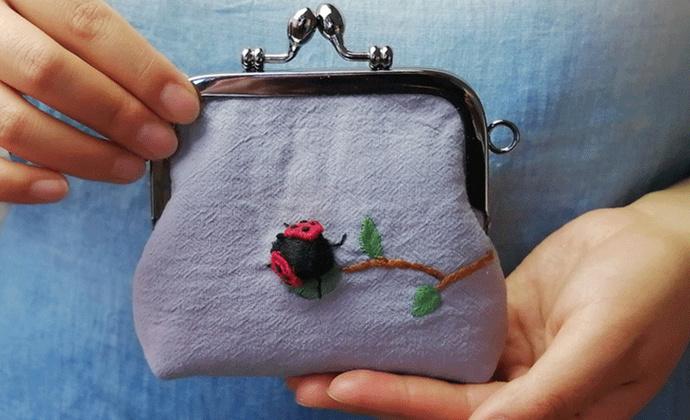 屋檐手工礼物定制 布艺立体刺绣创意纯棉零钱口金包