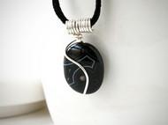 黑條紋瑪瑙皮繩項鍊(S曲線)