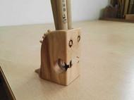木结疤怪兽笔筒