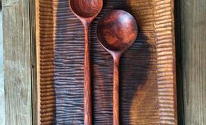 喜欢木质食器,用木头制作的小容