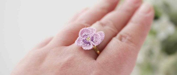 温柔到极致的花卉造型钩编配饰 | mie (@miecrochet)