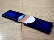 擦色,深蓝卡包与暗红卡包