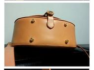 【玛德琳】原色植鞣牛皮贝壳造型斜挎包/邮差包/书包