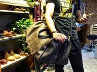 背过这么大的包吗?