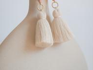 teatime  珊瑚磨砂波纹与奶油色流苏  耳环耳夹