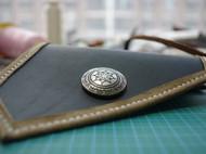 模仿改进一款简易的手包,第一件真正意义的作品~