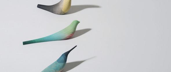 手工与科技的平衡之美:墨西哥设计师 Moises Hernandez 创作的木雕小鸟摆件