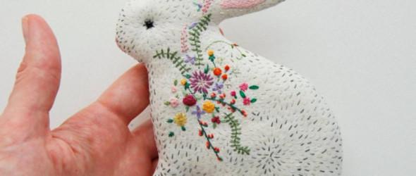 乌克兰手工艺人 kata 的可爱布艺刺绣玩偶