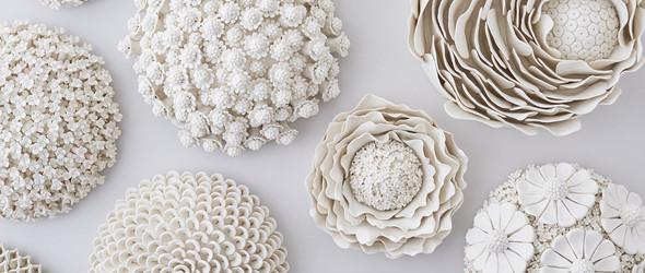 盛开着的陶瓷花卉雕塑 | 英国艺术家 Vanessa Hogge 的陶艺手工花